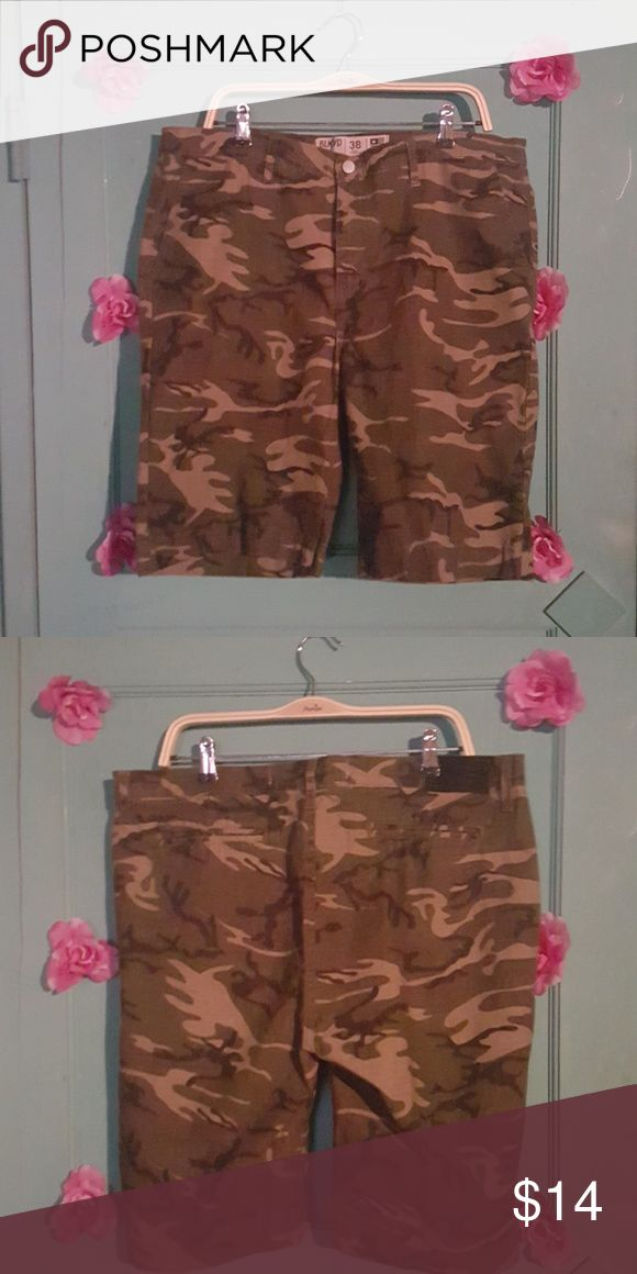 Mens Camouflage shorts Green print BLKWD Shorts Cargos