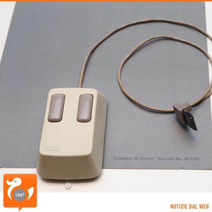 LA RIVOLUZIONE DEL MOUSE Era il 27 aprile 1981 quando Xerox lanciava sul mercato il nuovo computer Star dotato di uno strano aggeggio di puntamento, il mouse! Questo piccolo dispositivo si basava sul brevetto datato 1967 di Douglas Engelbart...