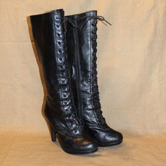 Bottes cuir vegan noir, bottes hautes lacées, bottes victorienne, bottes steampunk, botte 8 1/2