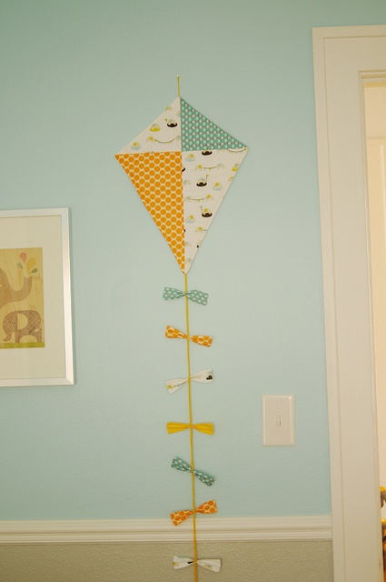 Cute kite decor sew making this pinterest receptions for Decoration kite