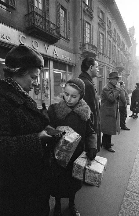 Milan. 1964. Cova. www.alidifirenze.fr