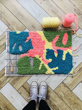 Create Your Own Rugs Using This Quick And Easy Tutorial Pinterest Rag Rug Latch Hook