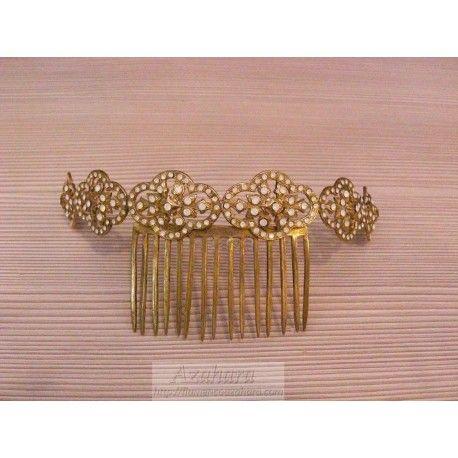 #Peina de estilo #flamenco para #novia en tonos dorados, formada por incrustación de perlas. #complementos #flamencos #Fuengirola