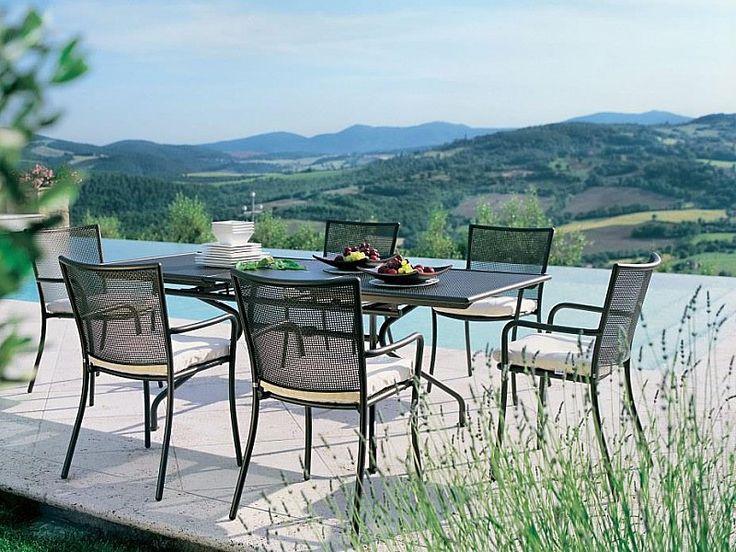 Scegli il #Tavolo #Athena 3518 per Allestire la Zona Pranzo Esterna! Disponibile in Bianco Opaco, Nero, Ferro Antico e Marrone India per ogni Arredo Esterno. #amisano #emu #outdoor #giardino #italianstyle