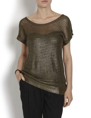 Стильный пуловер из пряжи. Ажурная вязка, свободный покрой. Край рукавов, низ изделия и вырез-лодочка на резинке. Материал: основная ткань: 100 % полиакрил