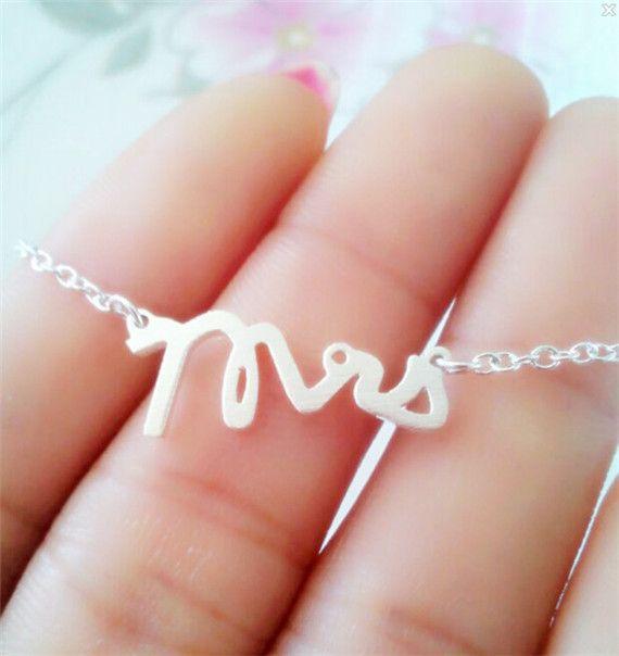 Ювелирные изделия из нержавеющей стали крошечные геометрические г-жа письмо кулон ожерелья золото желчи цепи заявление ожерелье для женщин 2016