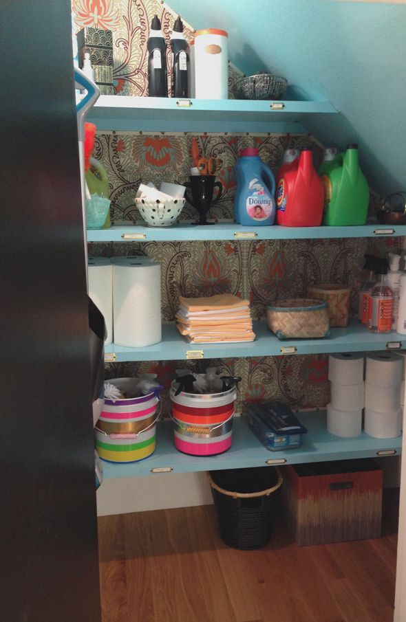 Organized and pretty cleaning closet via @Jenny Komenda