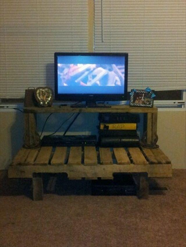 pallet TV stand ideas - pallet furniture diy
