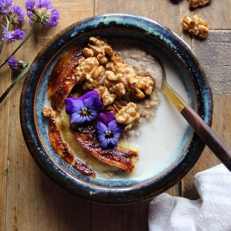 Almond Porridge with Caramelised Banana's and Walnuts