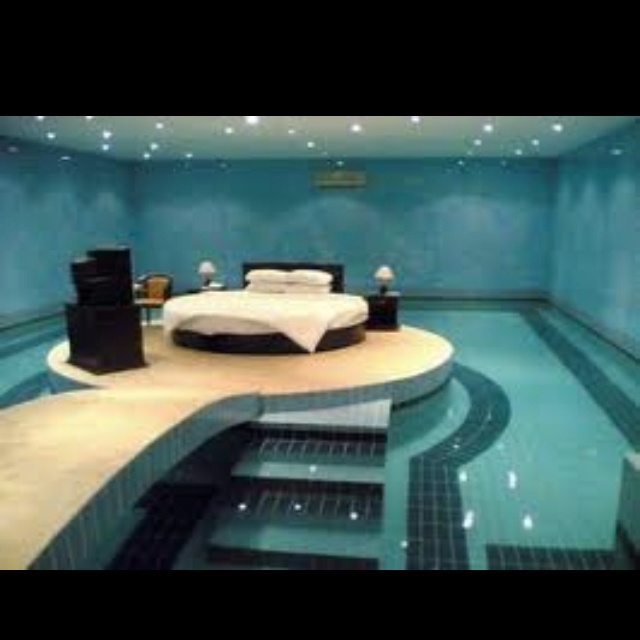 Swimming Pool Bedroom. Really Cool