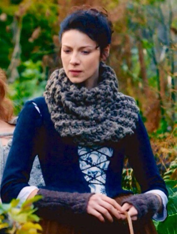 Claire's Cowl and Fingerless Gloves Set Outlander by megsknitshit