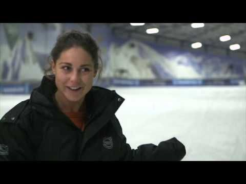 Winter Tyres Test at the Snowdome with Louise Thompson - http://maxblog.com/9728/winter-tyres-test-at-the-snowdome-with-louise-thompson/