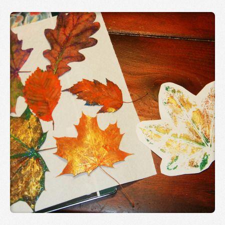 Blätterdruck für Herbstdeko. Die Anleitung gibt es auf #spielzeugde