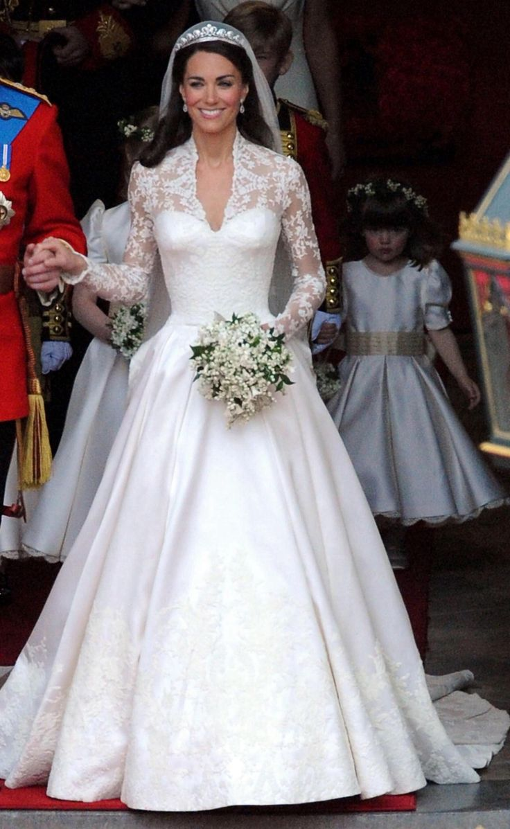 The Por Style Of Celebrity Wedding Kate Middleton Gowns