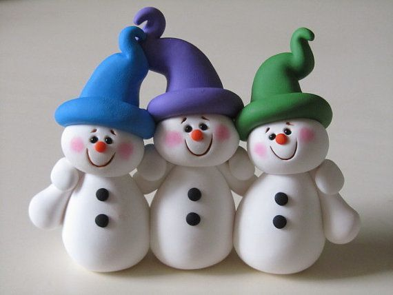 Could this be done in fondant?? Polymer Clay Snowman Family by ClayPeeps on Etsy, $22.00: