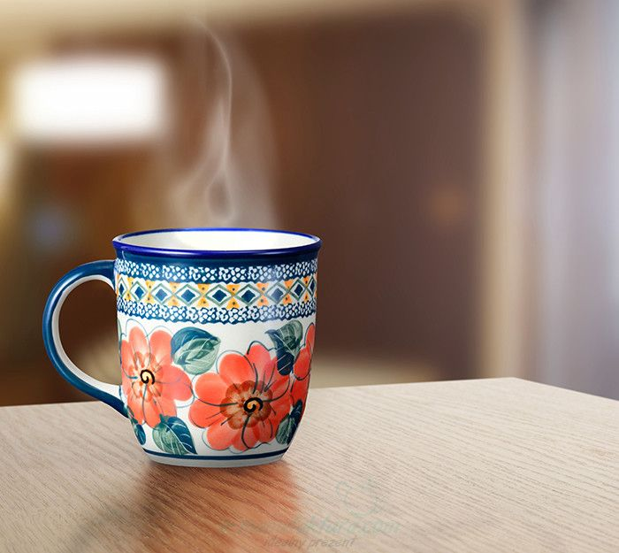 Classic mug. Artistic decoration number 124A. Hand-painted and signed by the artist.