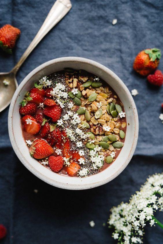 Elderflower Açaí Bowl | Dolly and Oatmeal