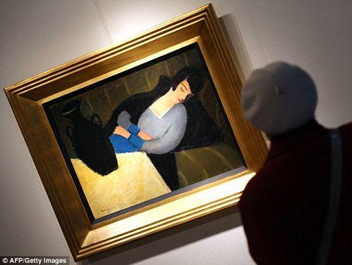 О пользе увлечения голливудскими фильмами. ------- Искусствовед Гергей Барки, живущий в Будапеште, во время просмотра голливудской ленты «Стюарт Литтл» идентифицировал использованную в фильме в качестве реквизита картину «Спящая женщина с чёрной вазой», считавшуюся пропавшей почти девяносто лет назад...  http://rupo.ru/m/4344/