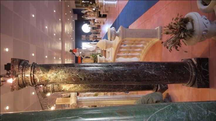 Colonne in marmo - http://achillegrassi.dev.telemar.net/project/colonne-stile-dorico-in-marmo-bianco-carrara-lucido-2/ - Colonne stile dorico in Marmo bianco Carrara lucido Dimensioni:  250cm x 40cm x 40cm Ø 30cm
