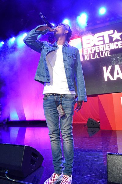 Kap G Photos - Kap G performs onstage at the Main Stage Performances during the 2017 BET Experience at Los Angeles Convention Center on June 24, 2017 in Los Angeles, California. - 2017 BET Experience - Main Stage Performances