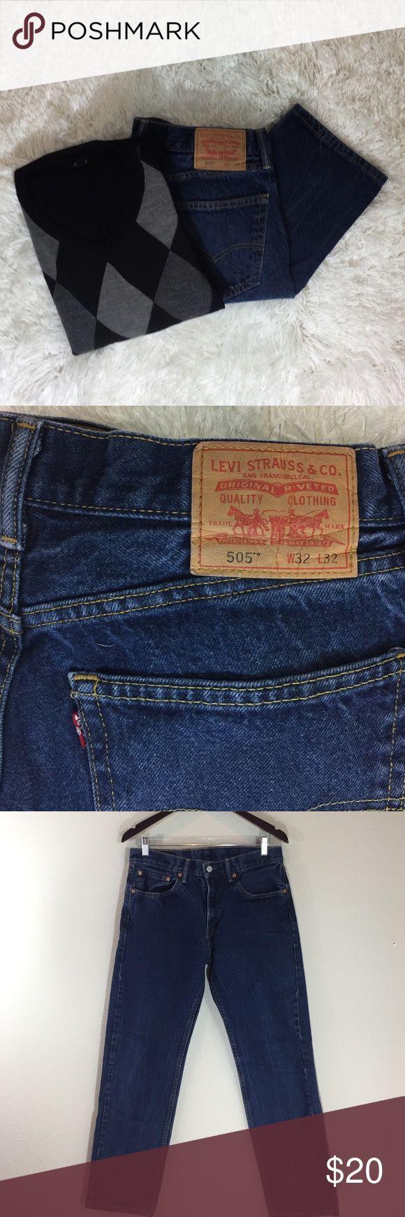 Men's Levi's 505 Jeans Men's Levi's 505 straight leg.  Dark Stone Wash.   Excellent condition.  Waist: 32. Length: 32. Levi's Jeans Straight