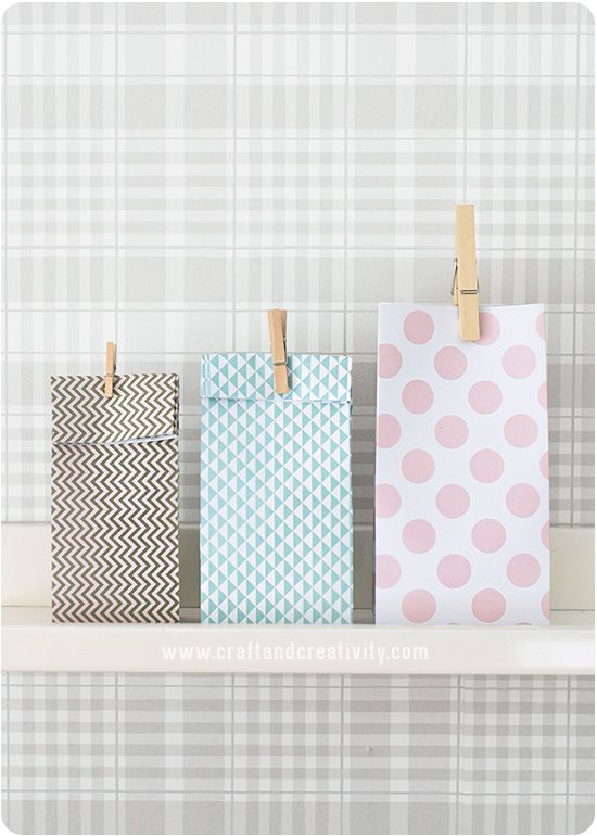 Make your own gift bags with Craft & Creativity using the Gift Bag Punch Board from We R Memory Keepers