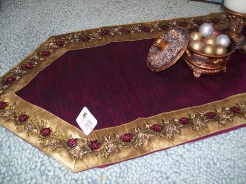 RAZ Imports 72 X 14 Gold Burgundy Beaded Flowers Christmas Table Runner |  EBay