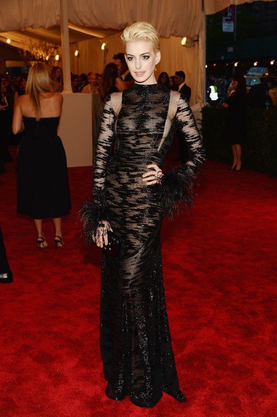 Anne Hathaway debuted a bleach blonde pixie cut at the Met Gala 2013.