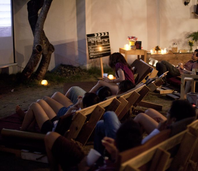 The Pallet Cinema: A garden movie night with adjustable pallet chairs