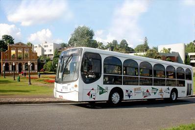 Na imagem, Ônibus da Linha Turismo nas proximidades do Bosque Alemão. Reg. Boa Vista. Foto: Luiz Costa/SMCS
