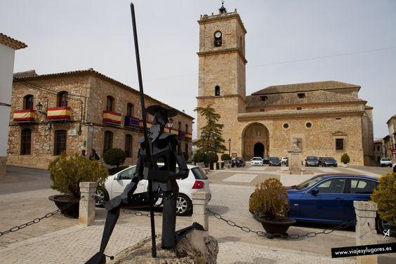 """El Toboso: Con la iglesia hemos topado es un tópico literario, derivado del Quijote... """"Con la iglesia hemos dado, Sancho"""", aunque algunos buscan un doble sentido en el escrito de Cervantes, otros estudiosos dicen que """"sólo quiere significar lo que dice""""... bueno, pues habían dado con la Iglesia de San Antonio Abad."""