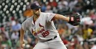 St. Louis Cardinals starting pitcher Chris Carpenter (29)