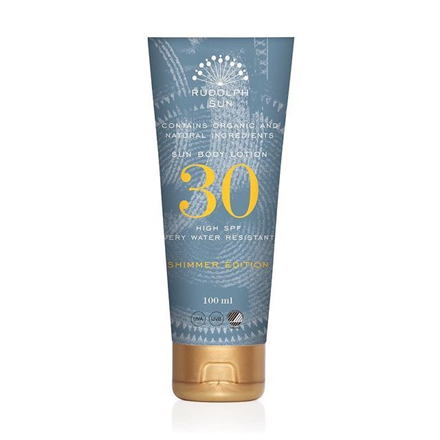 We have more shimmery news for you ✨  A soothing sun lotion with a refined, light consistency and a touch of golden shimmer to make your skin glisten in the sun. Only a few days left before this beauty is ready to shine!  #hellosunshine #timetoshine #onlyafewdaysleft #availablefriday #sunprotection #rudolphsun #rudolphcare
