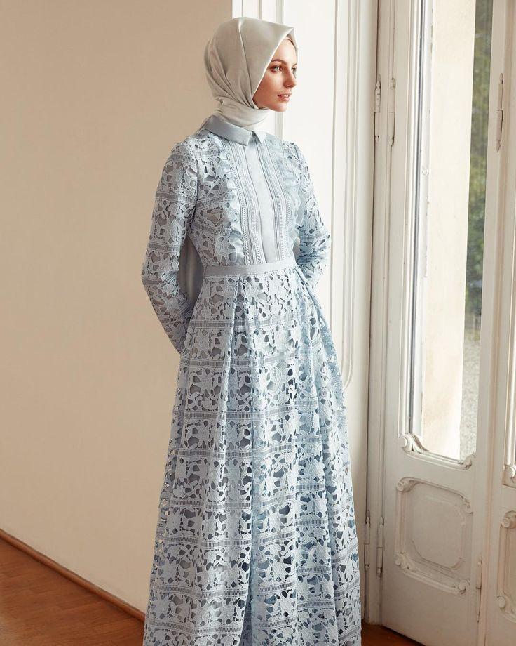 Romantik, kırılgan ve duru... Uzun zamandır beklenen #elbise şimdi #Kayra mağazalarında... | Your #wishlist #dress is now available!