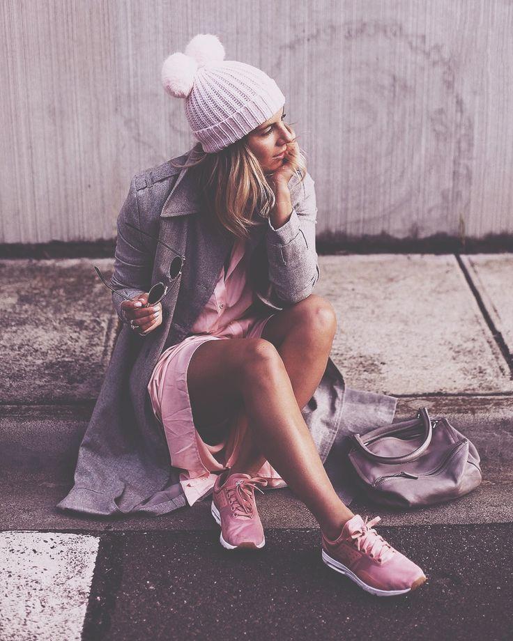 The stylish Lisa Hamilton rocking a collaboration with Nike! For collaboration opportunities visit https://phlanx.com   #phlanx #phlanxglobal #influencer #collab #collaboration #picoftheday #photooftheday #business #marketing #marketingplatform #blogger #beauty #fashion #influencermarketing #publicrelations