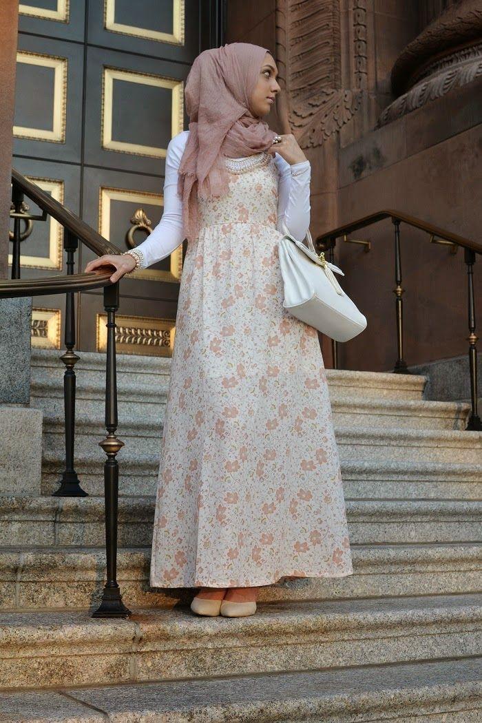 hani hulu hijabi fashion, modest fashion, forever 21, statement necklace, maxi dress