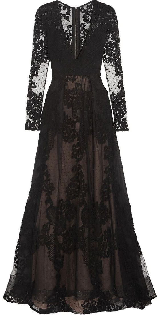 beautiful lace & tulle gown <3