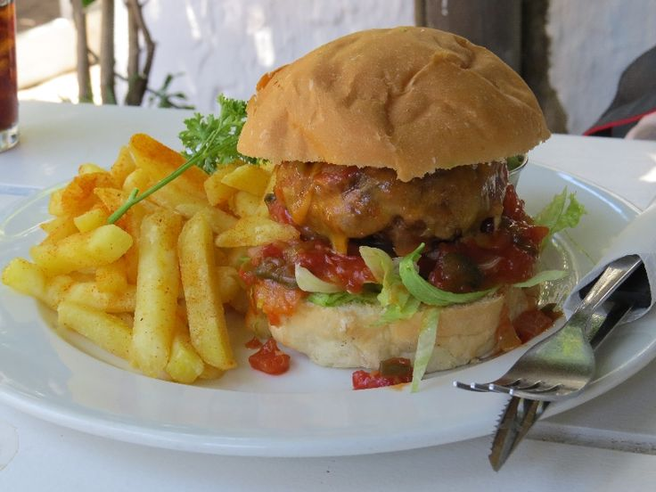 Lighthouse Pub & Grill, Kommetjie, Cape Town - Mexican burger