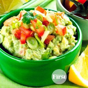 Game day is finally here! If you're whipping up a fresh batch of guacamole for your Super Bowl crowd, try this genius make-ahead trick that keeps it looking fresh all night long. Score!
