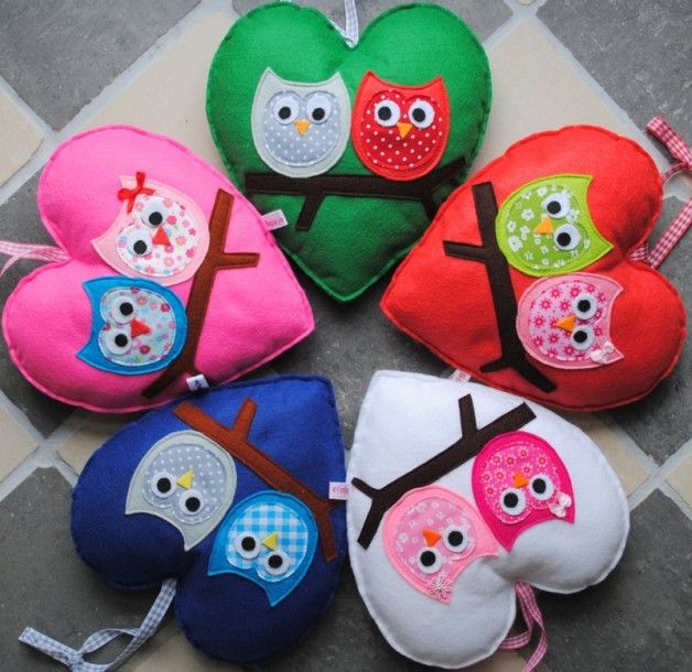 cute for valentine decorations - 2 owls on a branch heart