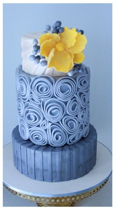 Quilled wedding cake...pretty color combination.