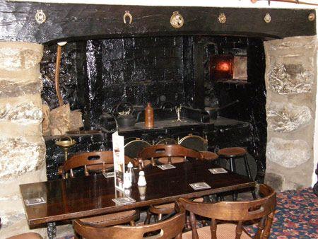 Table setting inside the Ysgethin Inn