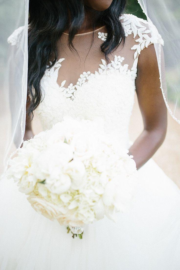 Elegant Outdoor Atlanta Wedding - all white bouquet