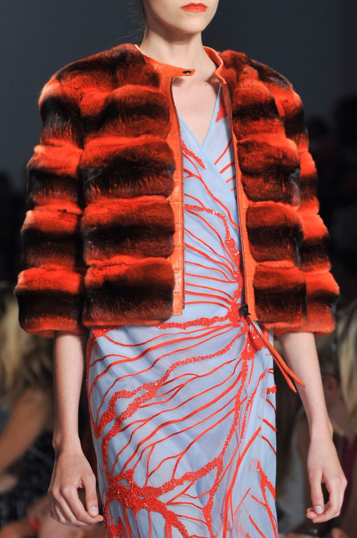 +++ Dennis Basso + Spring / Summer 2014 + NYFW + RTW +++ #handmade #fur #whiteANDblack #leather #chinchilla #python #geometric #organza #lace #fashion #moda #verano2014 #fashionweek #NewYork #ss2014 #spring2014 #nyfw #summer2014 #DennisBasso #primavera2014 #runway #SpringSummer2014 @Dennis Basso  @ISAZAalejandro