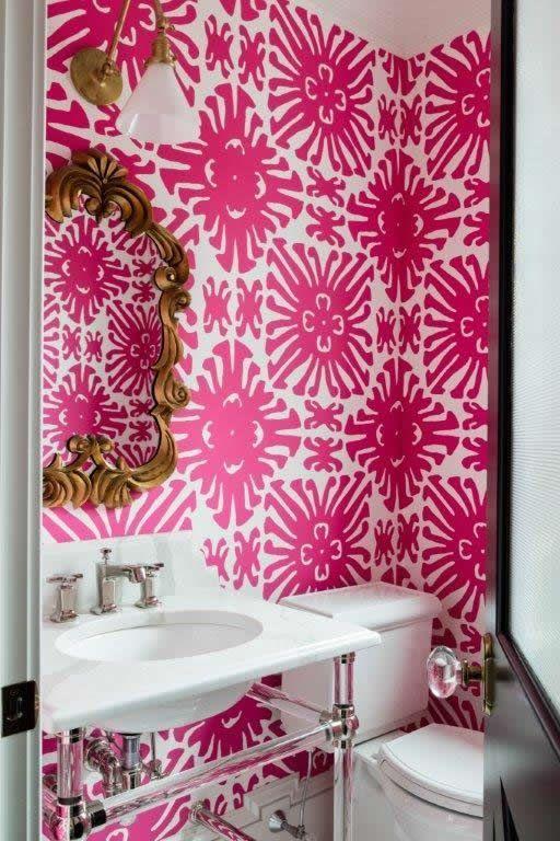 China Seas Sigourney wallpaper. Interior design by Dina Holland.
