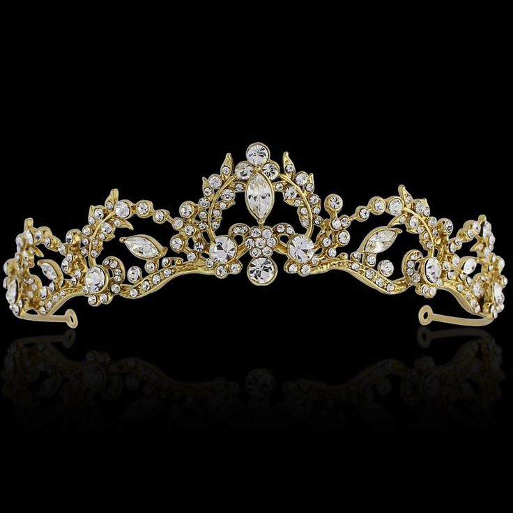 Stunning crystal and gold plated tiara for the bride.   #wedding #accessories #beading #tiaras #vintage #jewellery #bride  www.arynverebride.com