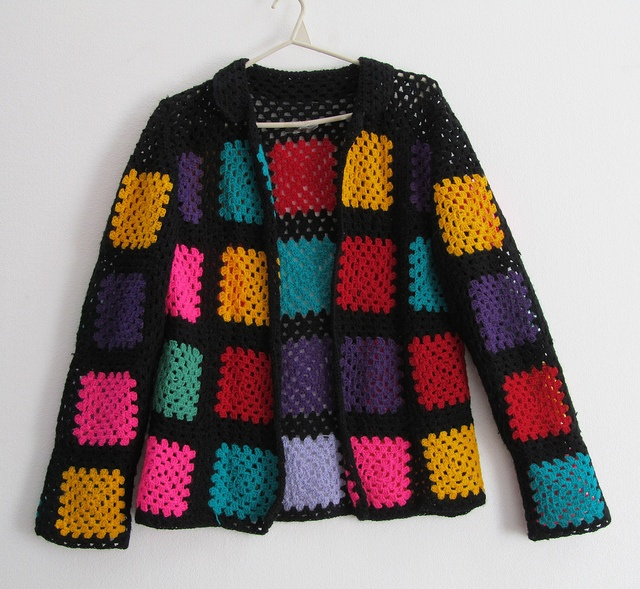 Grannysquare cardigan by Vestuario Delaperla: Idea, Granny Square, Photo
