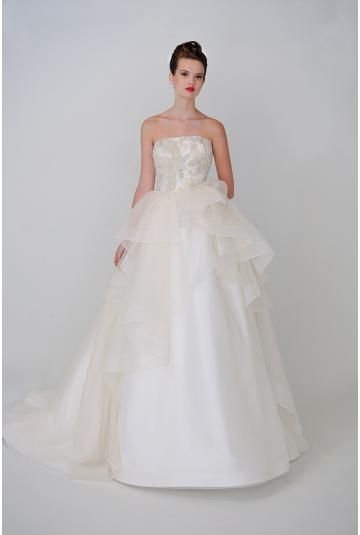 Okouzlijící & dramatický Bez rukávů Nášivky Svatební šaty olomouc