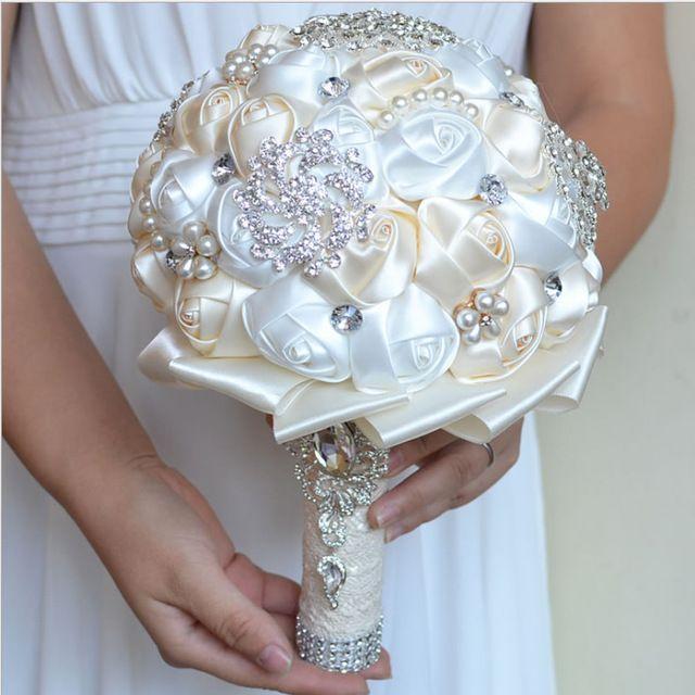 Meilleur Prix Blanc Ivoire Broche Bouquet De Mariage Bouquet de mariage Polyester De Mariage Bouquets Perle Fleurs buque de noiva FE29