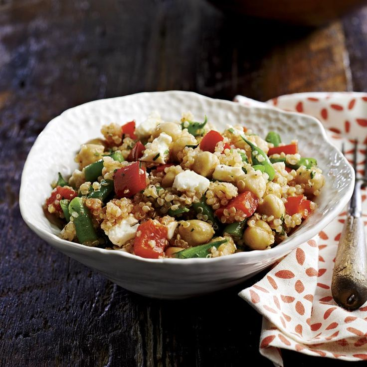 Salade de quinoa aux pois chiches, vinaigrette à la tomate | .coupdepouce.com